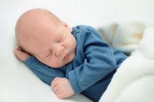 6个月宝宝最佳身高体重是什么6个月宝宝怎么添加辅食呢