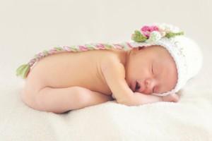 70天宝宝晚上睡觉出汗是什么原因照料多汗的宝宝要注意什么