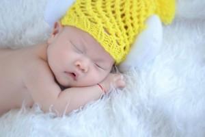 为新生宝宝度过生死劫这个护士腿部跪出青紫丘壑