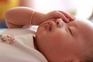 新生儿满月黄疸不退怎么办宝宝黄疸有什么危害